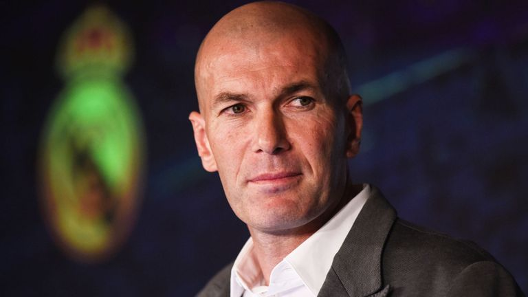 Carlo Ancelotti Angkat Bicara Soal Keputusan El Real Merekrut Kembali Zinedine Zidane