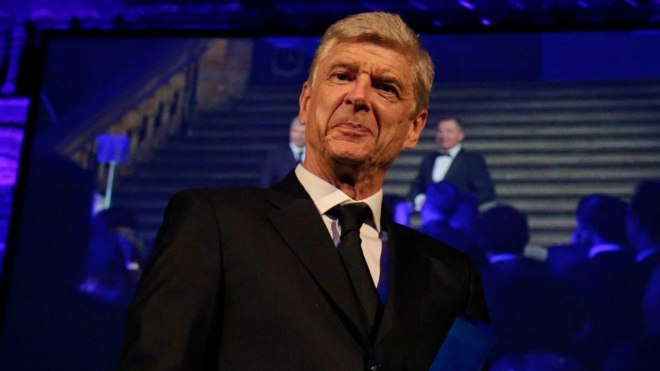 Wenger Bukan Sosok Tepat Atasi Masalah PSG