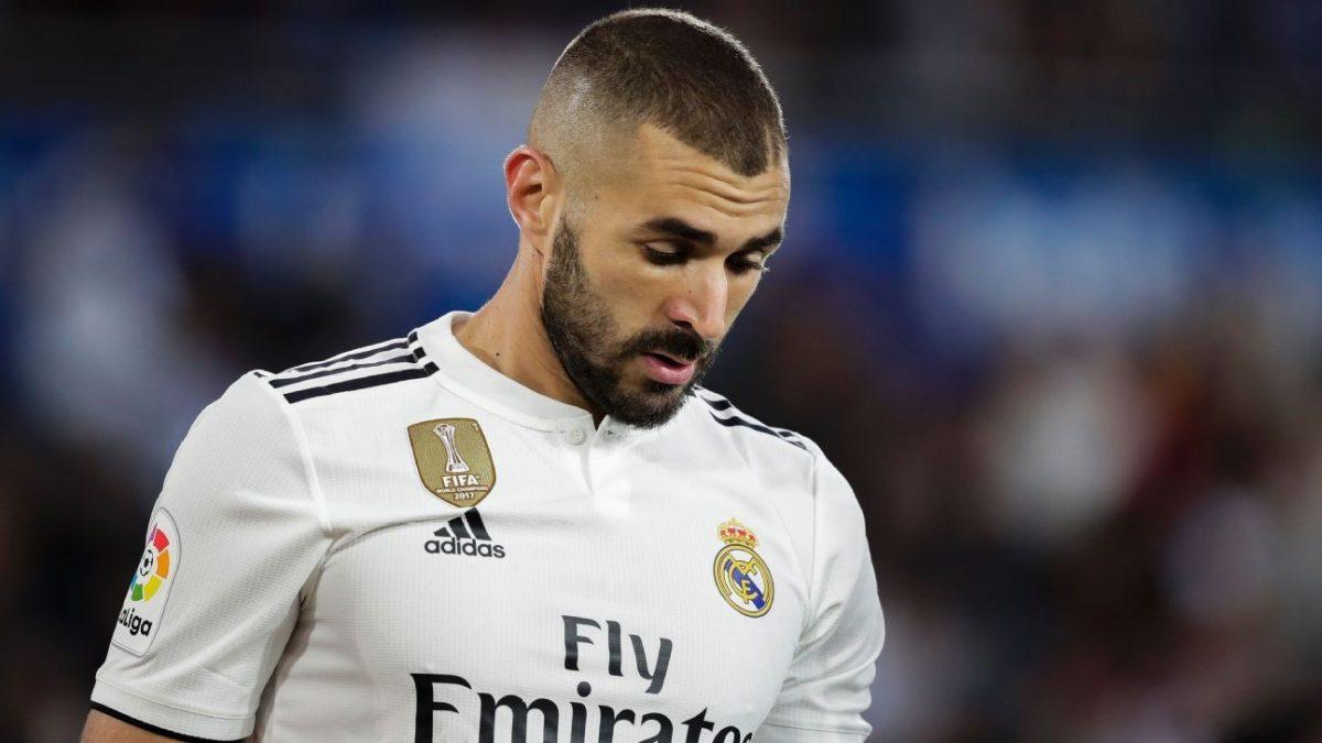 Zidane akan pertahankan Karim Benzema