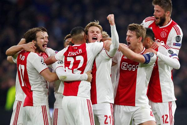 Feyenoord kalah dalam pertandingan tertutup melawan rekan senegaranya Excelsior
